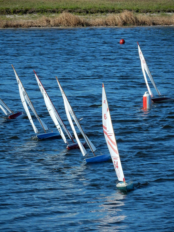 rc sailboats for beginners